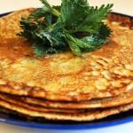 Brenneslepannekaker med hvitløk og urter | Oppskrift