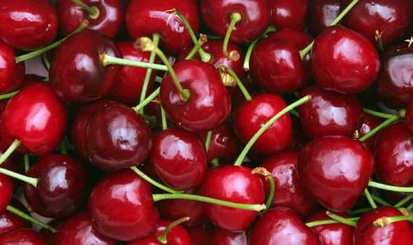 Kirsebær i klase
