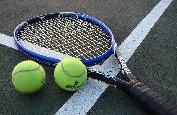 Tennisracket - Foto Wiki