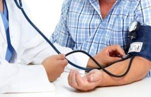 lavt blodtrykk og blodtrykksmåling med lege