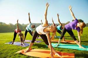 yogaovelser-mot-ryggstivhet